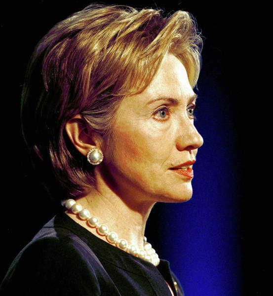 Hillary Clinton Photograph - Hillary Clinton Speaks To Newspaper by Chris Hondros