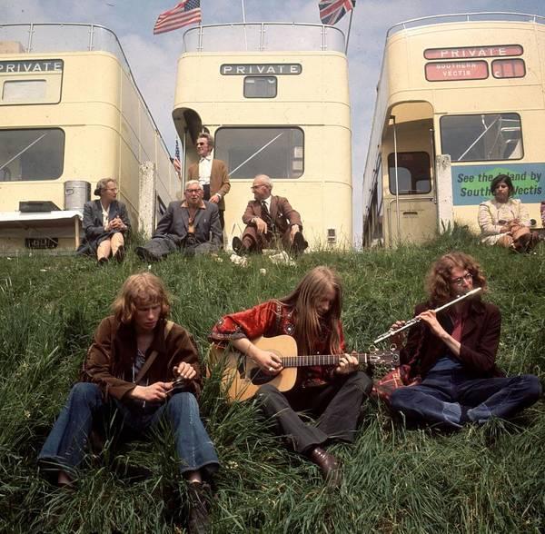 Guitarist Photograph - Hippies At Epsom by John Minihan