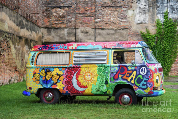 Photograph - Hippie Dippie Vw Micro Bus by Paul Quinn