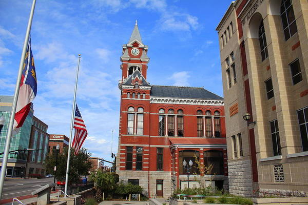 Photograph - Historic Courthouse by Cynthia Guinn