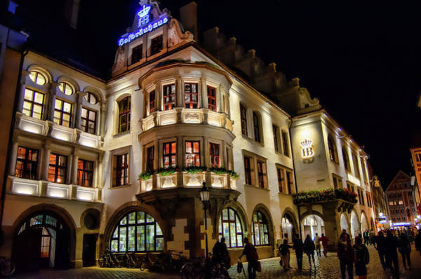 Photograph - Hofbrauhaus by Borja Robles