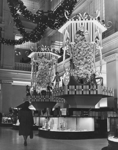 Photograph Photograph - Holiday Shopping At Marshall Fields by Chicago History Museum
