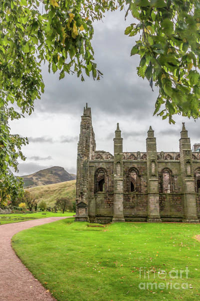 Holyrood Photograph - Holyrood Abbey With Arthur's Seat by Elizabeth Dow
