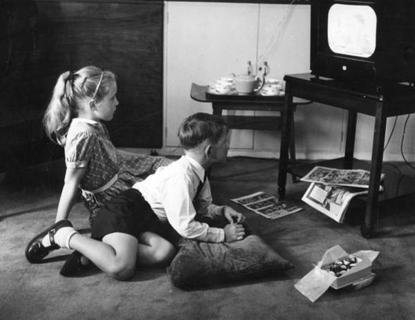 Comic Book Photograph - Home Viewing by Hulton Picture Library