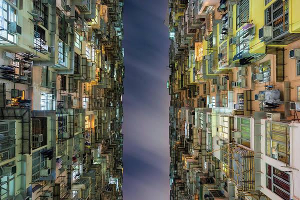 Hongkong Photograph - Hong Kong 33 by Tom Uhlenberg