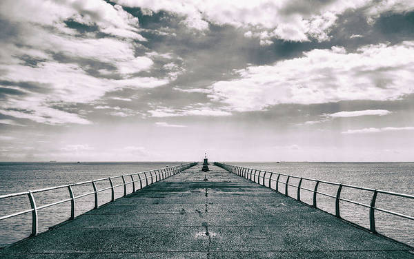 Wall Art - Photograph - Horizon by Martin Newman