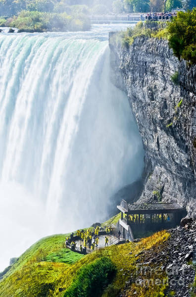 Border Wall Art - Photograph - Horseshoe Fall, Niagara Falls, Ontario by Javen