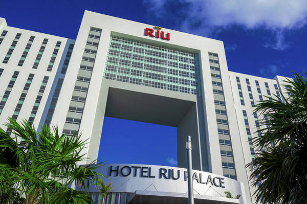 Photograph - Hotel Riu Palace In Cancun by Sun Travels
