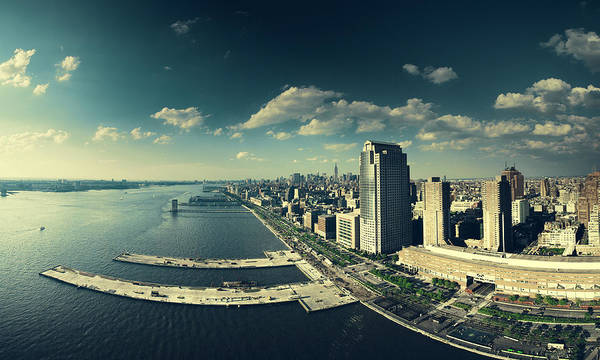 Battery Park Wall Art - Photograph - Hudson River New York City by Jens Karlsson