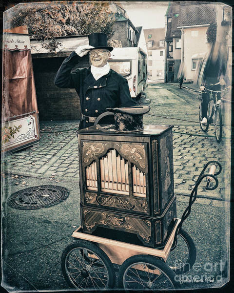 Photograph - Hurdy-gurdy by Jutta Maria Pusl
