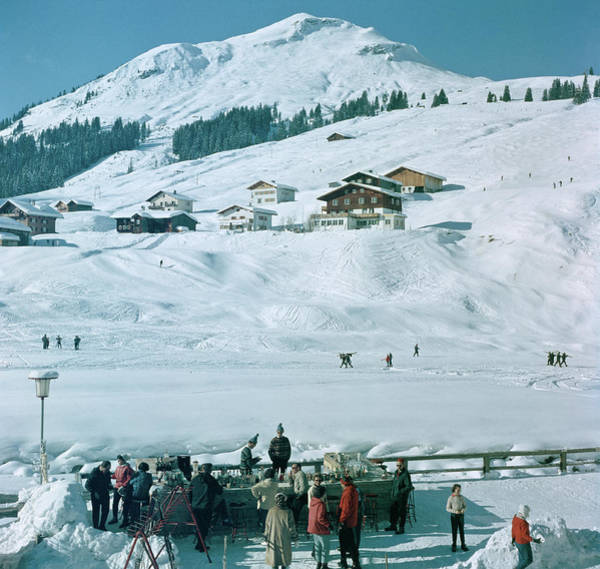 Horizontal Landscape Photograph - Ice Bar In Lech by Slim Aarons