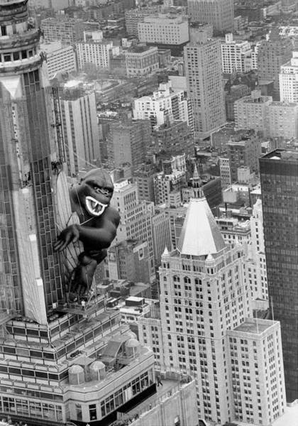 Photograph - Inflatable King Kong On The Empire by New York Daily News Archive