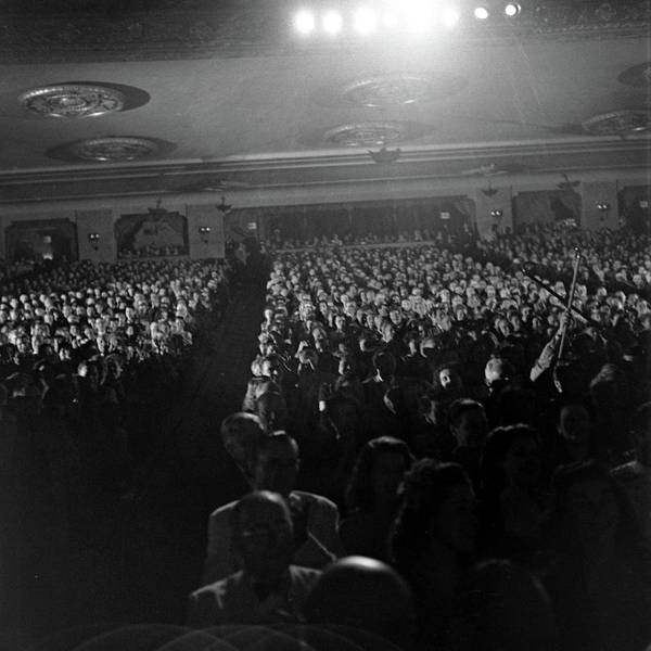 Contest Photograph - Inside The Warner Theater During The by Alfred Eisenstaedt