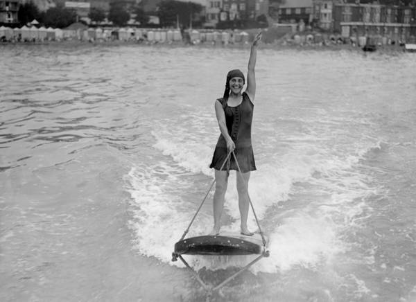 Waterskiing Photograph - Its Easy by H F Davis