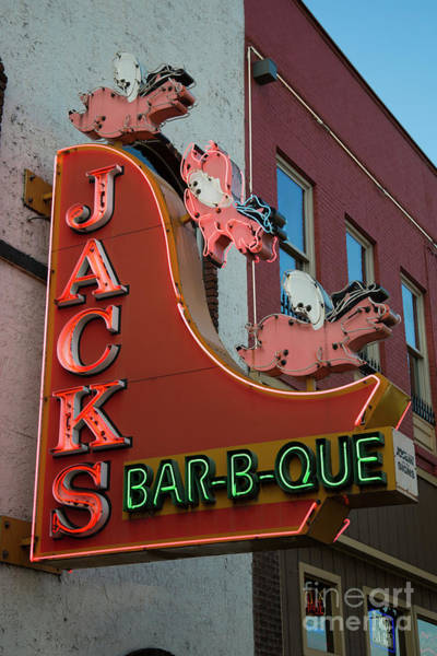 Que Photograph - Jacks Bar B Que Broadway Neon Signage Nashville Tennessee Art by Reid Callaway