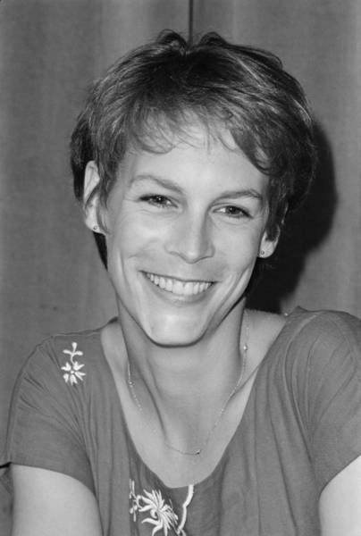 Reliefs Wall Art - Photograph - Jamie Lee Curtis by Michael Ochs Archives