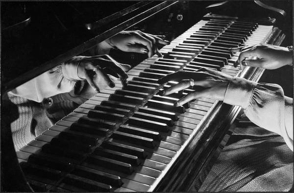 William And Mary Photograph - Jamming At Gjons by Gjon Mili