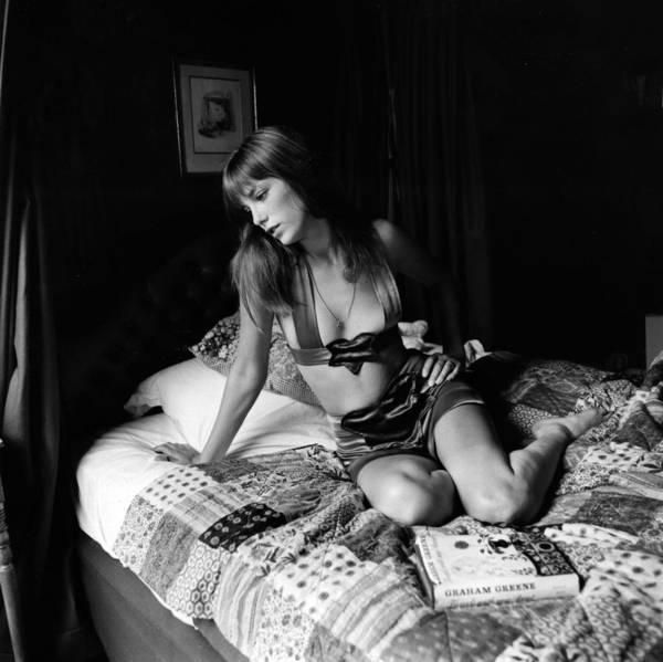 Photograph - Jane Birkin by Joseph Mckeown