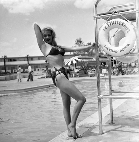 Bikini Photograph - Jayne Mansfield In Bikini by Hulton Archive