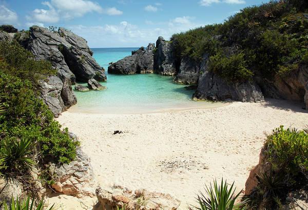Bermuda Photograph - Jobsons Cove Beach, Bermuda by Elisabeth Pollaert Smith