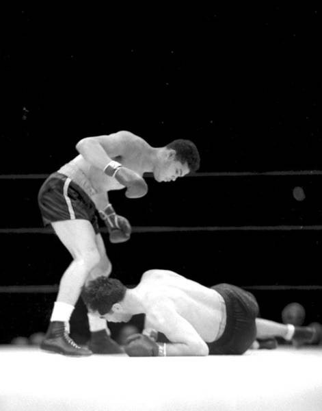 The Bronx Photograph - Joe Louis Versus Max Schmeling II, 2 by New York Daily News Archive