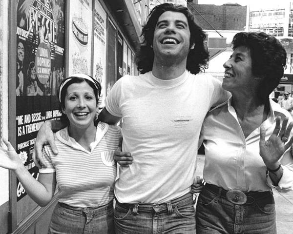 Daily News Photograph - John Travolta And His Sisters Ellen And by New York Daily News Archive