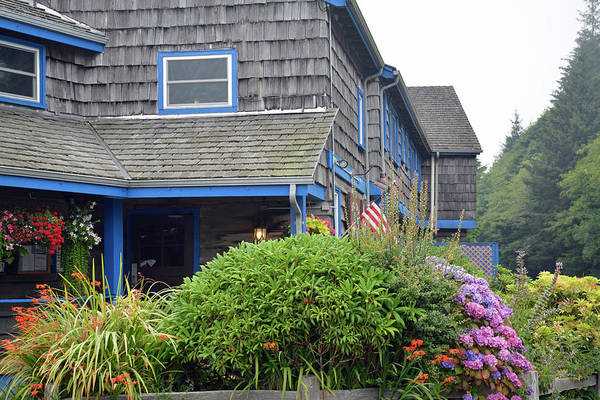 Photograph - Kalaloch Lodge And Flowers by Bruce Gourley