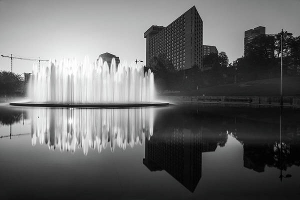Photograph - Kansas City Bloch Union Station Fountain At Sunrise - Black And White by Gregory Ballos