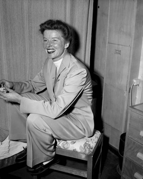 Photograph - Katherine Hepburn Settles Into Her Room by New York Daily News Archive