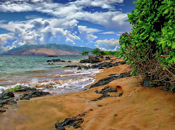 Photograph - Kihei Beach Seascape by Anthony Dezenzio