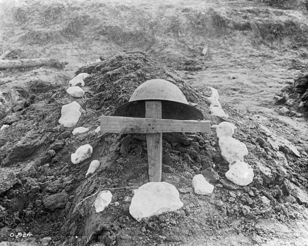 Resourceful Photograph - Killed In Action by Hulton Archive
