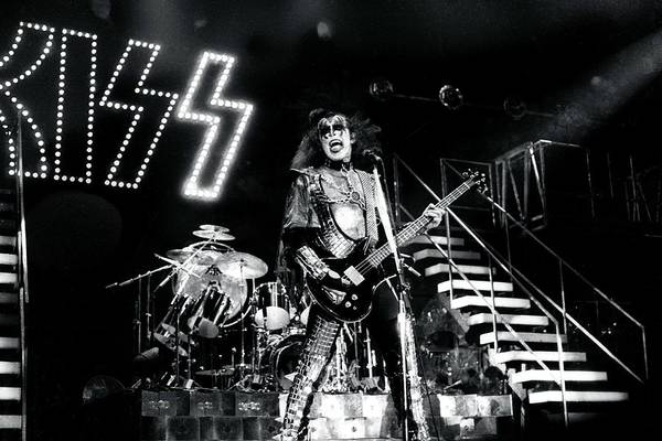 Topix Photograph - Kiss Live by Larry Hulst