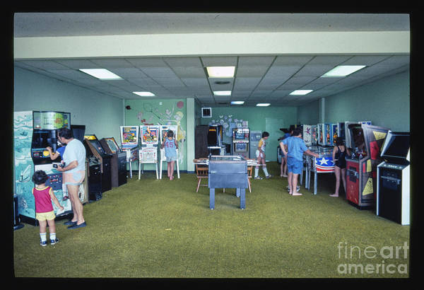 Wall Art - Photograph - Kutsher's Pinball Room, Thompson, New York by Edward Fielding
