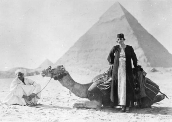 Giza Photograph - Lady Sheik by Hulton Collection
