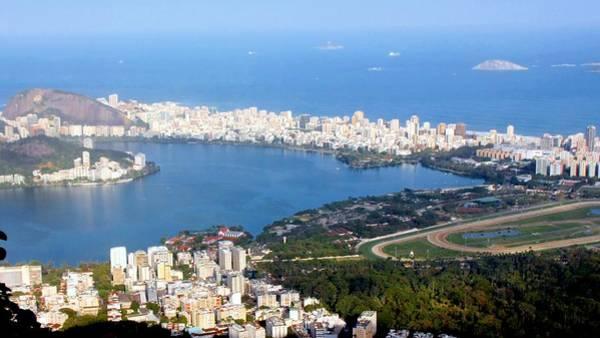 Rio De Janeiro Photograph - Lagoa Rodrigo De Freitas by J.castro