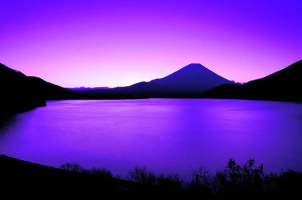 Wall Art - Photograph - Lake Motosu At Dawn by Takuya Igarashi
