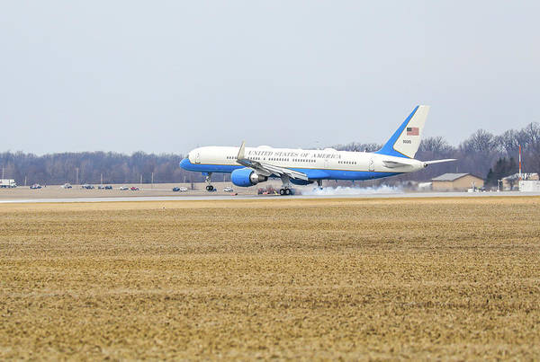 Photograph - Landing Air Force One by Dan Sproul