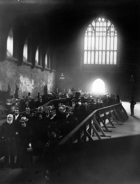 Gladstone Wall Art - Photograph - Last Respects by Hulton Archive