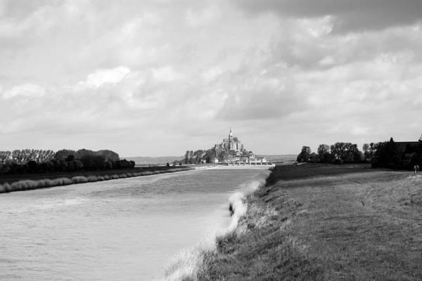 Photograph - Le Mont Saint Michel 6b by Andrew Fare