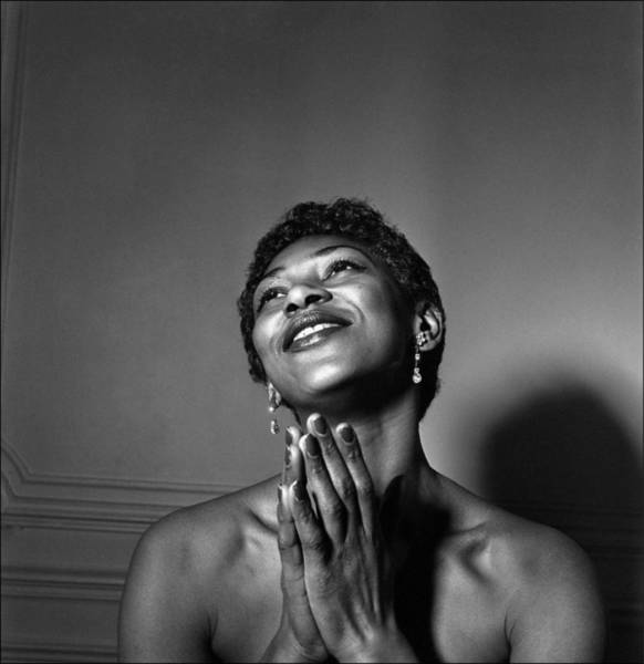 Smiling Photograph - Leontyne Price by Reporters Associes