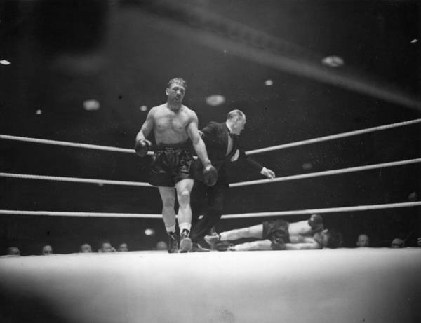 Boxing Photograph - Lesnevich Win by David Savill