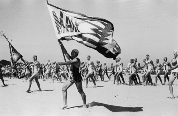 Photograph - Life Savers Parade by Hulton Archive