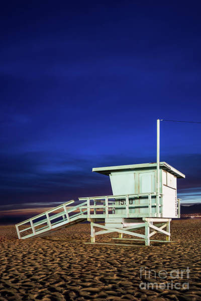 Wall Art - Photograph - Lifeguard Tower 1550 At Night Santa Monica Photo by Paul Velgos