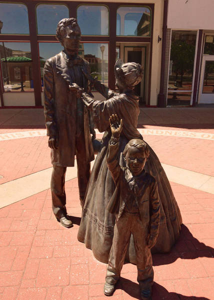 Wall Art - Photograph - Lincoln Family 1 by Darin Williams