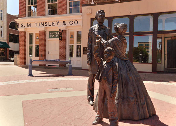 Wall Art - Photograph - Lincoln Family 2 by Darin Williams