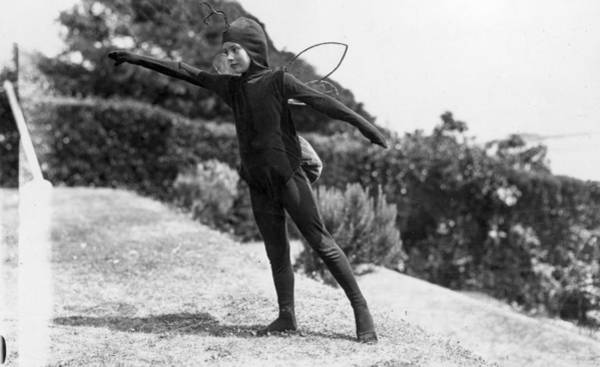 1923 Photograph - Little Girl Dancing by Topical Press Agency