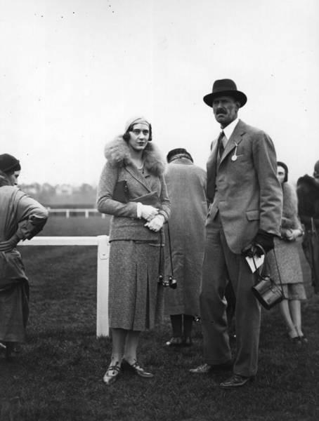 Binoculars Photograph - Loelia by Hulton Archive