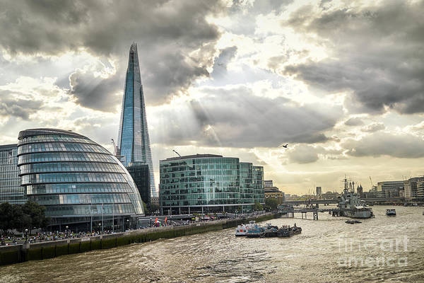 Wall Art - Photograph - London City Hall At Sunset by Aleksandra H. Kossowska