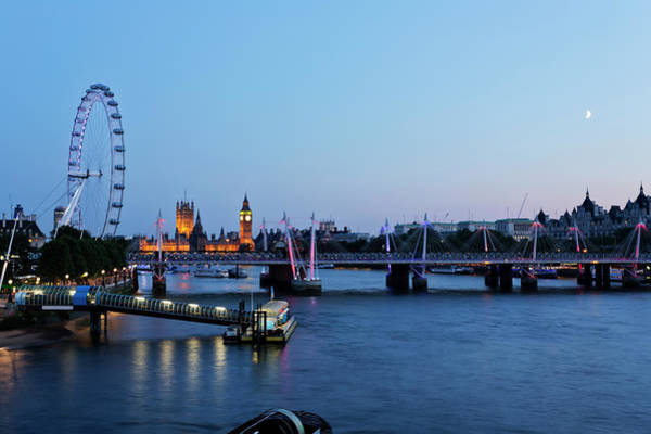 Department Of Defense Photograph - London - Hungerford Bridge At Dusk by  Ultraforma