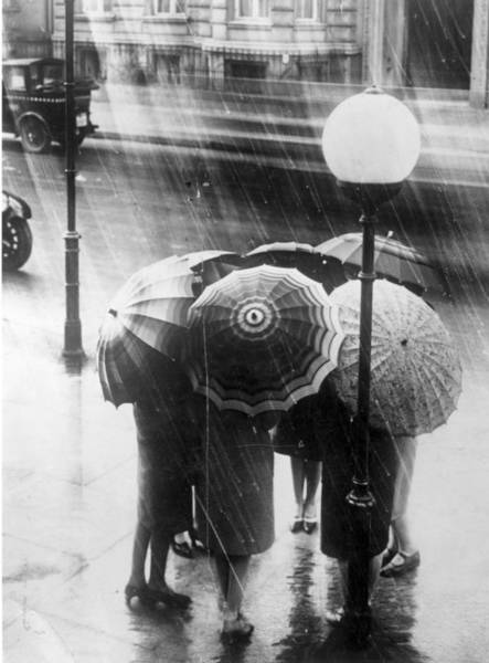 Rain Photograph - London Rain by General Photographic Agency